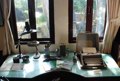 林语堂书房内的桌子,他在这里完成登峰之作《当代汉英词典》。