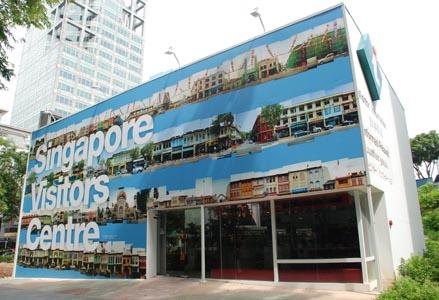 马瑟尔的摄影作品被新加坡旅游局采用在访客询问中心的外墙。
