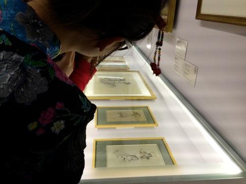 此展呈现多幅莫奈早期所画的漫画肖像。