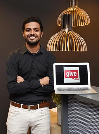阿信喜欢构思创业点子,他在念国大时创立GIVE.asia,成为本地首个网络筹募平台。